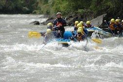 Rafting Truppe wird nass