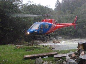 Mit dem Hubschrauber in die Schlucht-Canyoning Tessin