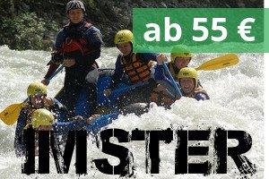 Wildwasser Rafting Gruppe in einem Boot in der Imster Schlucht